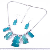 Necklance and earrings set